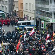 """""""Merkel muss weg""""-Gegröle! Tausende Neonazis marschieren am Bundestag (Foto)"""