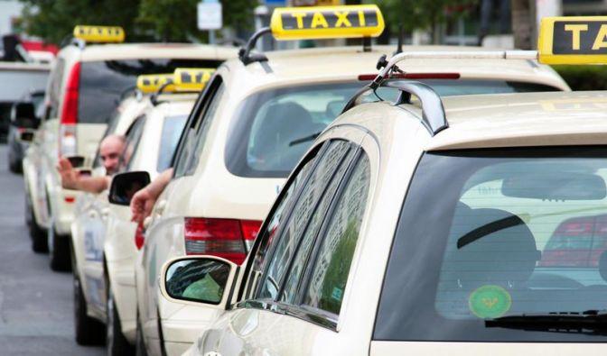 Taxifahrer und Gast dürfen keinen Festpreis vereinbaren (Foto)