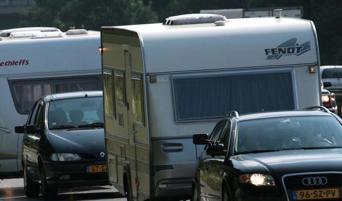 Tempolimits für Wohnwagengespanne variieren in Europa stark (Foto)