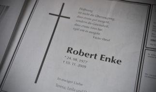 Teresa Enke gedenkt ihrem verstorbenen Mann in einer bewegenden Traueranzeige (Foto)