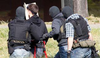 Terrorverdaechtige werden am BGH vorgefuehrt (Foto)