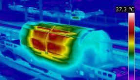 Thermografie-Aufnahmen der Castorbehälter, die im November 2010 aus La Hague nach Gorleben rollten. (Foto)