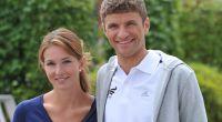 Thomas Müller und seine Frau Lisa. Der Fußball-Star ist einer der beliebtesten Nationalspieler. (Foto)