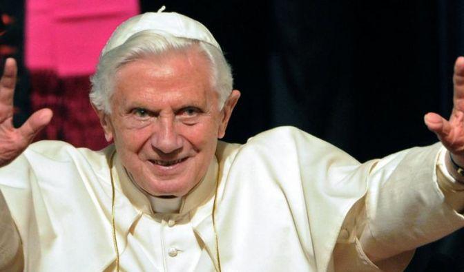 «Titanic» will für Papst-Satire kämpfen (Foto)