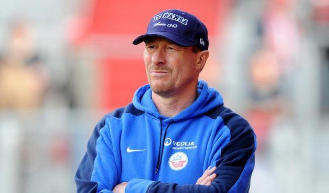 Trainer Wolf lässt Verbleib bei Hansa offen (Foto)