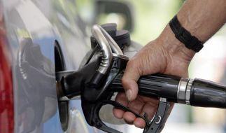 Transparenz: Die Bundesregierung will mehr Kontrolle bei Benzinpreisen. (Foto)