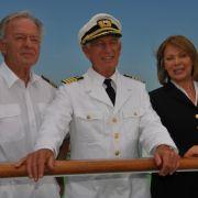 Die Traumschiff-Crew auf dem Weg nach Panama (von links): Horst Naumann, Siegfried Rauch, Heide Keller.