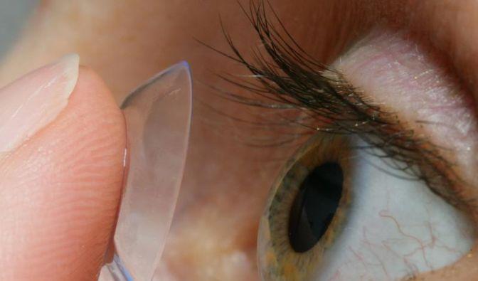 Trockene Augen bei Kontaktlinsen hormonell bedingt (Foto)
