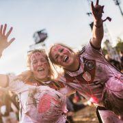 Ein Festival versinkt im Schlamm - und feiert trotzdem (Foto)
