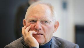 Trotz Milliardenplus will Wolfgang Schäuble die Steuerzahler nicht entlasten. (Foto)