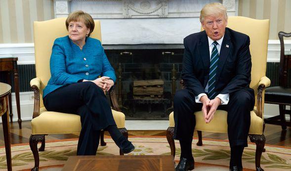 Trump hat offenbar Merkels Handschlag-Frage nicht gehört. (Foto)