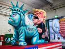 Trump vergewaltigt die Freiheitsstatue. (Foto)