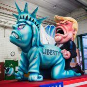 Bizarre Szene! Trump als Vergewaltiger (Foto)