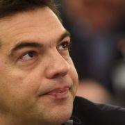 Reformpaket für 53 Milliarden Euro! Volk hetzt gegen Tsipras (Foto)
