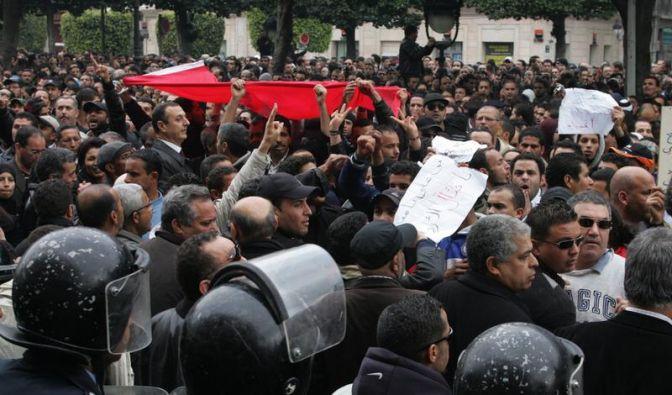 Tunesien im Chaos: Brände und Präsidenten-Wechsel (Foto)
