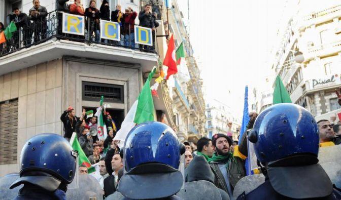 Tunesien-Proteste schwappen auf Algerien über (Foto)