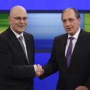 Beim TV-Duell lieferten sich die Spitzenkandidaten in Schleswig-Holstein, Torsten Albig (SPD, links) und Jost de Jager (CDU), wie auch in den Umfragen ein Kopf-an-Kopf-Rennen.