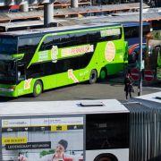 Einige Fernbusanbieter fahren über Feiertage häufiger (Foto)