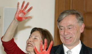 Über 100.000 rote Hände sammelten die Hilfsorganisationen in Deutschland. (Foto)