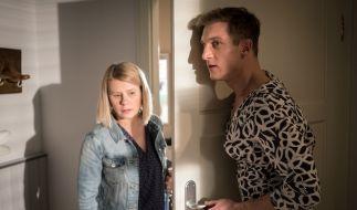 Überraschung für Nina (Jacqueline Svilarov): Ihr Bruder Marek (Martin Walde) trägt Frauenkleider. (Foto)