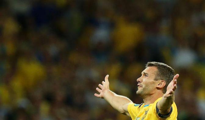 Ukraine liegt Matchwinner Schewtschenko zu Füßen (Foto)