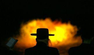 Ultra-Orthodoxe Juden beim Gebet. (Foto)