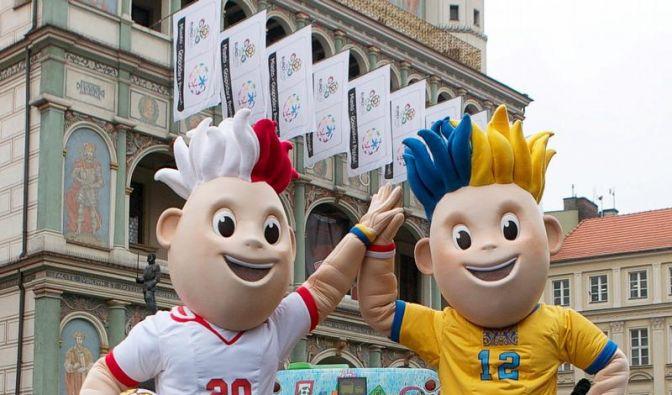 Um die Fußball-Europameisterschaft 2012 in Polen und der Ukraine hat es eine rege Boykottdiskussion gegeben. Die EU-Kommission kündigte an, zu den Spielen nicht zu erscheinen. (Foto)