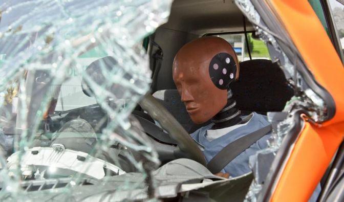 Umfrage: Autos der Zukunft sollen vor allem sicher sein (Foto)