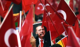 Umfrage: Fast zwei Drittel für Ende der EU-Türkei-Beitrittsgespräche (Foto)