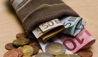 Umfrage zeigt: Deutsche legen wieder mehr Geld beiseite (Foto)