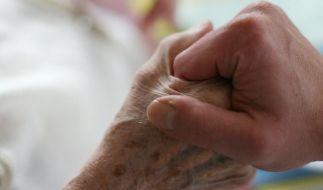Umsatteln zum Pfleger: Vorher Praktikum machen (Foto)
