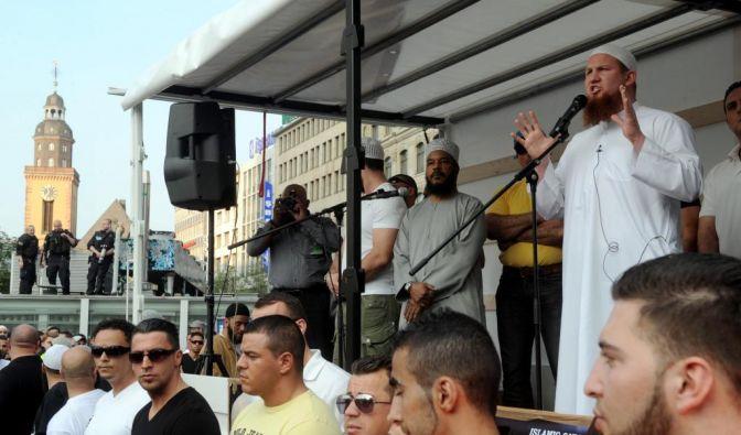 Umstrittene Islam-Prediger in Frankfurt (Foto)