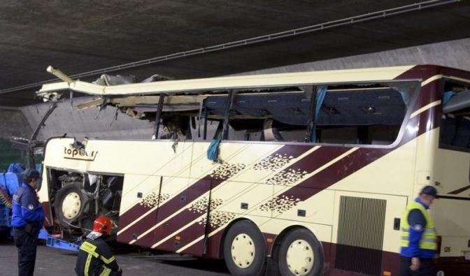 Unfall im Tunnel: SOS-Telefone nutzen und Platz machen (Foto)