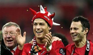 Uniteds Helden: Sir Alex Ferguson, Cristiano Ronaldo (M) und Ryan Giggs. (Foto)