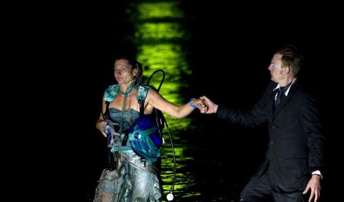 Unterwasseroper kämpft mit der Technik (Foto)