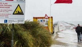 Unwetter 2014: Ausläufer des Hurrikans Gonzalo haben erste Schäden angerichtet. Im Norden wird eine Sturmflut erwartet. (Symbolbild) (Foto)