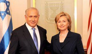 US-Außenministerin Clinton mit Israels Präsident Benjamin Netanjahu. (Foto)