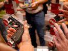 US-Präsident Barack Obama will ein schärferes Waffengesetz durchsetzen. (Foto)