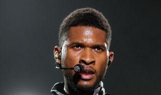 Usher strippt für seine Fans in Hamburg (Foto)