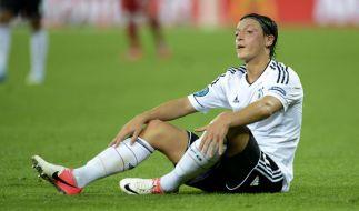 Vater Özil klagt gegen die Twitter-Hetze: Mesut Özil und sein Umfeld haben die Diffamierungen schwer getroffen. (Foto)
