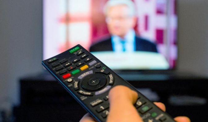 Verbraucher müssen ab Juli für Privatsender zahlen. Den Empfang können sie dann per Code freischalten. (Foto)