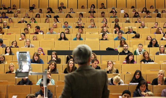 Verfassungsrichter fordern mehr Geld für Professoren (Foto)