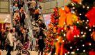Am 07.12.2014 ist in vielen deutschen Städten verkaufsoffener Sonntag. Die perfekte Gelegenheit, um fehlende Weihnachtseinkäufe zu erledigen! Erfahren Sie hier, welche Städte und Weihnachtsmärkte am zweiten Advent geöffnet haben. Foto: picture alliance / dpa / Andreas Lander