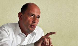Verkehrsminister Wolfgang Tiefensee (SPD) zu Besuch in der Redaktion von news.de. (Foto)