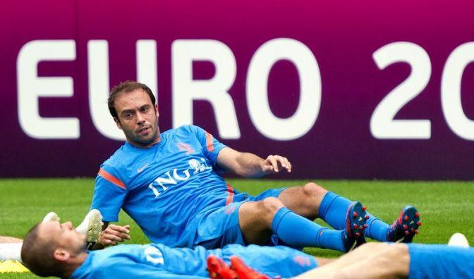 Verletzter Mathijsen fliegt mit Oranje nach Charkow (Foto)