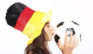 Verliebt in Fußball: Die heißesten Fans der EM 2012. (Foto)