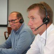 Versicherungsberater Norbert Roemers und Knut Schubert, Experte für Kraftfahrtversicherungen, standen beim Lesertelefon Rede und Antwort.