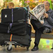 Wer sein Gepäck so unbeachtet platziert, darf bei Diebstahl nicht auf seine Versicherung zählen.