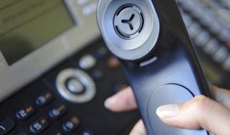 Vertrag per Telefon: Konditionen im Netz überprüfen (Foto)