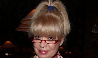 Viele Männer wollen für Ingrid Steeger sorgen (Foto)